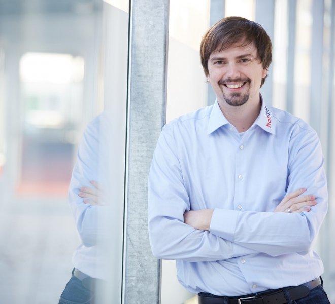 Frank Schultze Mitarbeiter Team SoftTec GmbH hotline Hotelsoftware Direktbuchbarkeit Kassensysteme Gutschein Tool
