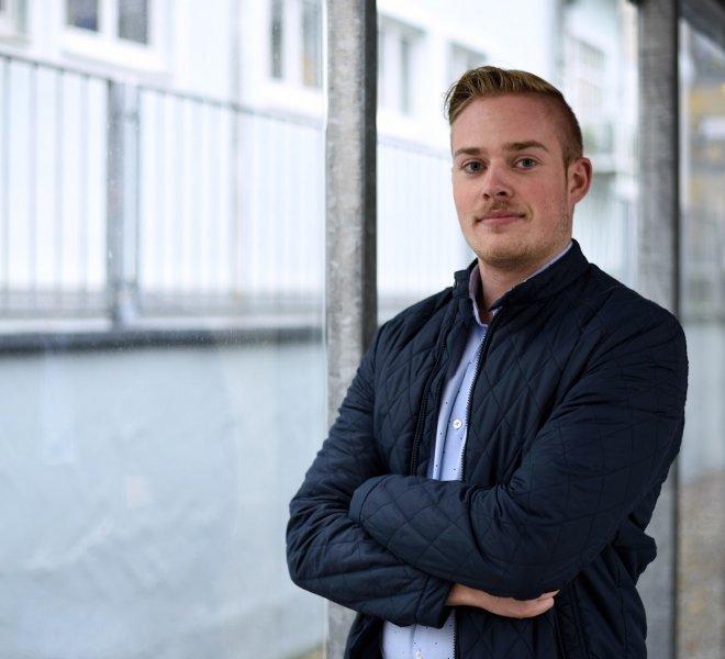 Patrick Lüdecke Mitarbeiter Team SoftTec GmbH hotline Hotelsoftware Direktbuchbarkeit Kassensysteme Gutschein Tool