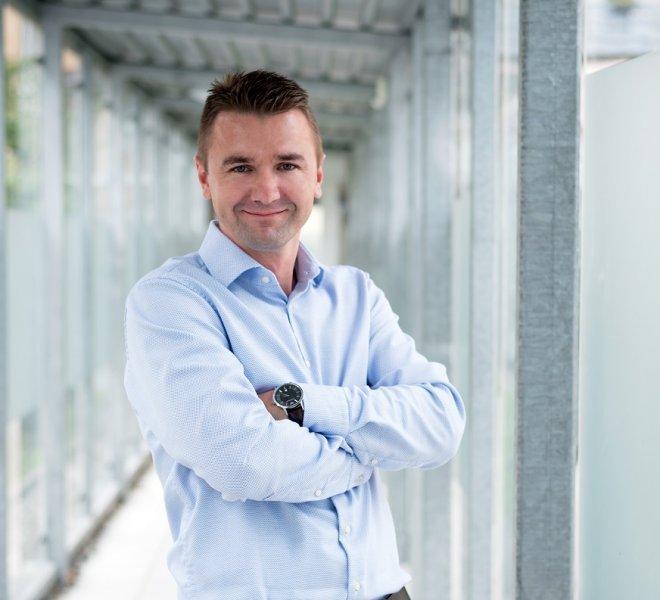 Bojan Jokic Mitarbeiter Team SoftTec GmbH hotline Hotelsoftware Direktbuchbarkeit Kassensysteme Gutschein Tool