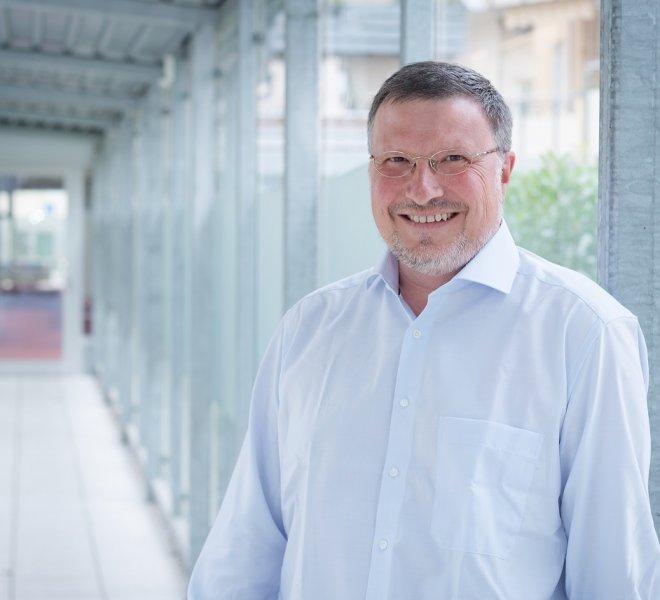 Wolfgang Mohr Mitarbeiter Team SoftTec GmbH hotline Hotelsoftware Direktbuchbarkeit Kassensysteme Gutschein Tool